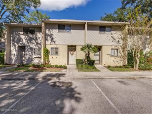 Photo of 3801 CROWN POINT RD, JACKSONVILLE, FL 32257 (MLS # 967485)