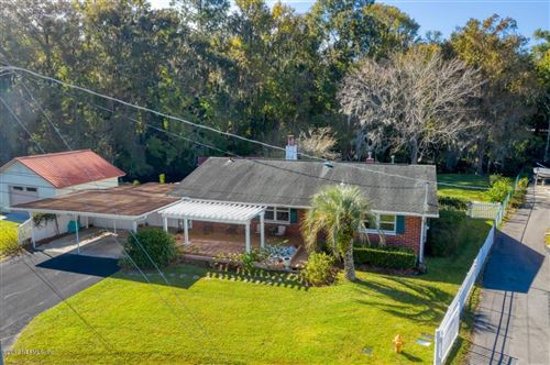 Photo of 129 SUNSET POINT LN, EAST PALATKA, FL 32131 (MLS # 1028490)