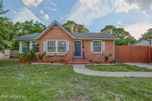 Photo of 838 OLD HICKORY RD, JACKSONVILLE, FL 32207 (MLS # 1108501)