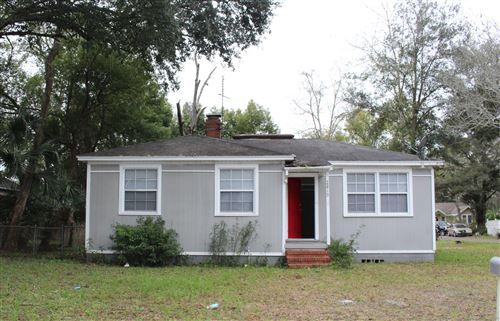 Photo of 2819 CHEROKEE CIR E, JACKSONVILLE, FL 32205 (MLS # 1039529)
