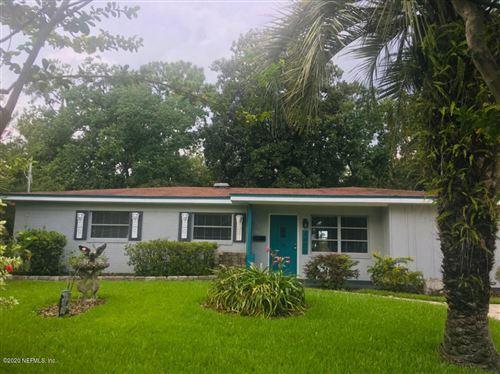 Photo of 4450 REVELSTOKE DR, JACKSONVILLE, FL 32207 (MLS # 1066532)