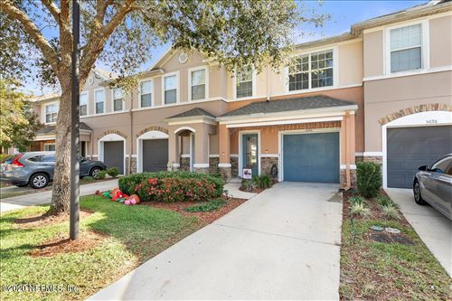 Photo of 5700 SANDSTONE WAY, JACKSONVILLE, FL 32258 (MLS # 1087541)