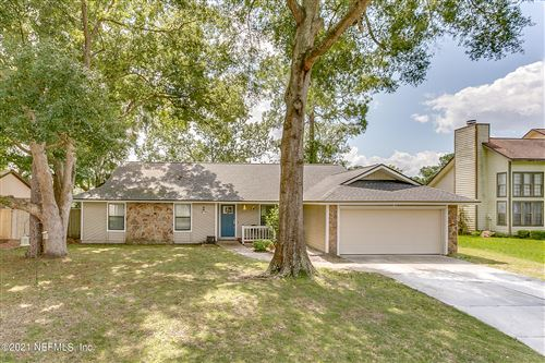 Photo of 7212 HOLIDAY HILL CT, JACKSONVILLE, FL 32216 (MLS # 1130559)