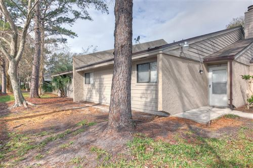 Photo of 3801 CROWN POINT RD, JACKSONVILLE, FL 32257 (MLS # 1039611)