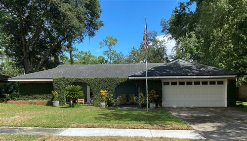 Photo of 9431 BEAUCLERC COVE RD, JACKSONVILLE, FL 32257 (MLS # 1077611)