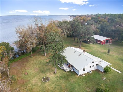 Photo of 163 FEDERAL POINT RD, EAST PALATKA, FL 32131 (MLS # 1031613)