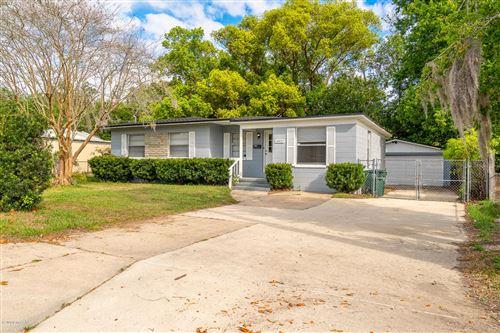 Photo of 10427 STONE RD, JACKSONVILLE, FL 32246 (MLS # 1046614)