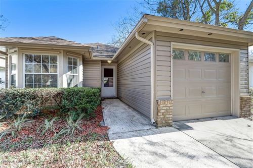 Photo of 1717 ASHMORE GREEN DR, JACKSONVILLE, FL 32246 (MLS # 1032658)