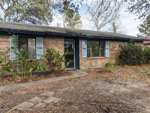 Photo of 8243 PEAR RD, JACKSONVILLE, FL 32210 (MLS # 1033671)