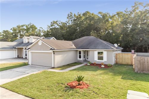 Photo of 6057 SCENIC MEADOW LN, JACKSONVILLE, FL 32244 (MLS # 1017686)