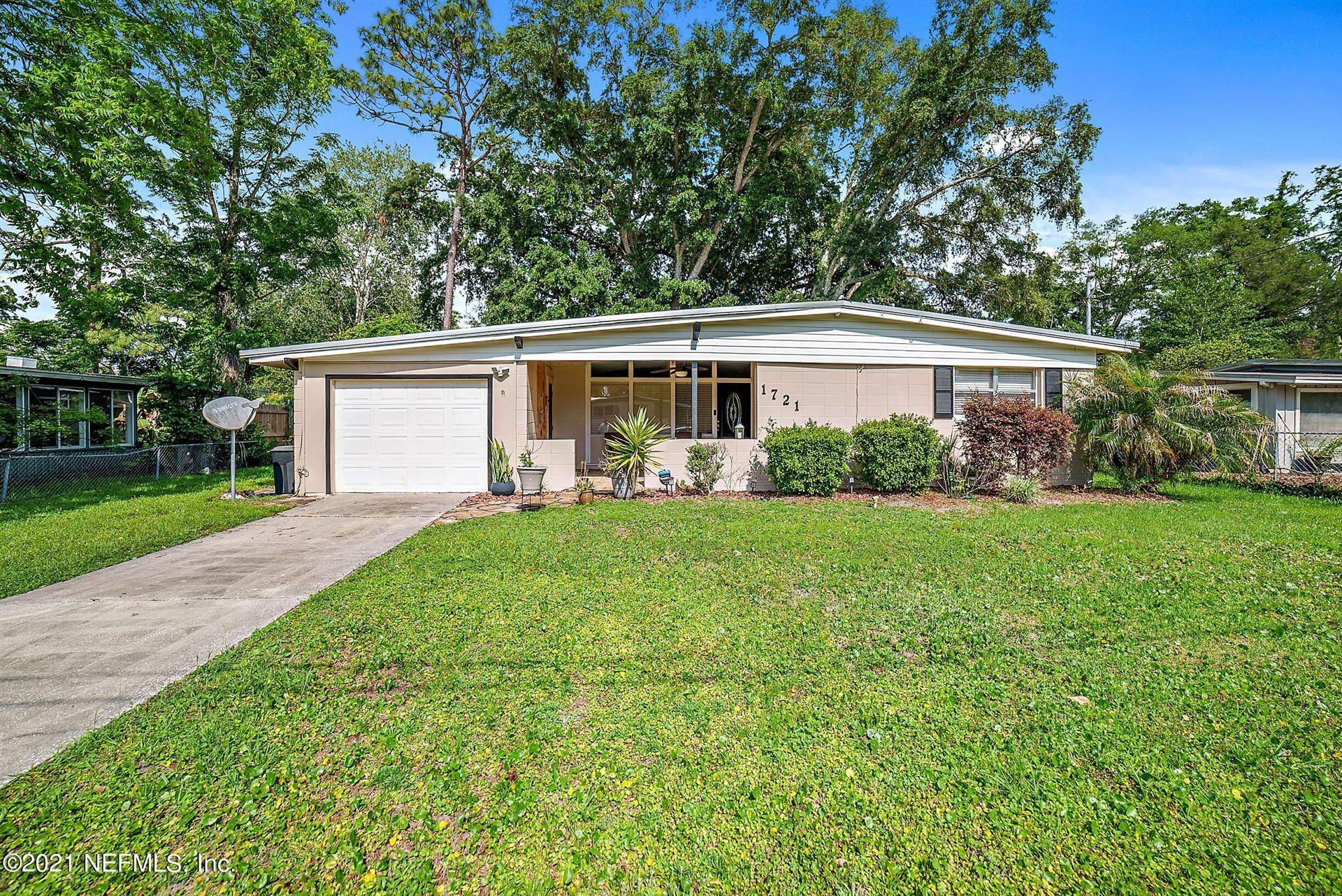 Photo of 1721 LE BOIS DR, JACKSONVILLE, FL 32221 (MLS # 1108737)