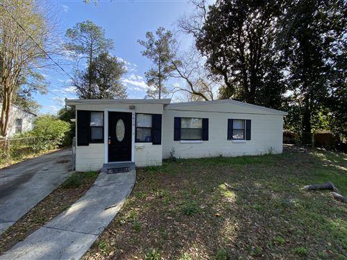 Photo of 5610 KIMBRELL DR S, JACKSONVILLE, FL 32210 (MLS # 1038738)