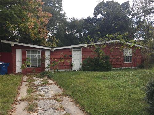 Photo of 1825 LAYTON RD, JACKSONVILLE, FL 32211 (MLS # 1029743)