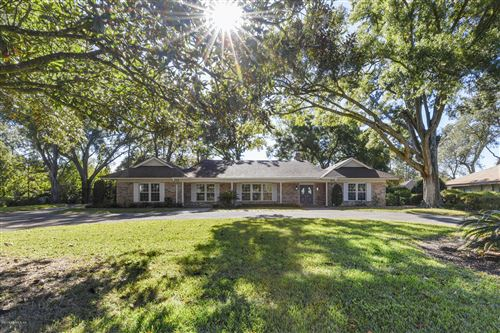 Photo of 8216 HOLLYRIDGE RD, JACKSONVILLE, FL 32256 (MLS # 1027745)