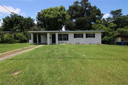 Photo of 7137 OAKNEY RD, JACKSONVILLE, FL 32211 (MLS # 1062751)