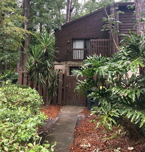 Photo of 10406 BIG TREE CIR E, JACKSONVILLE, FL 32257 (MLS # 1008767)