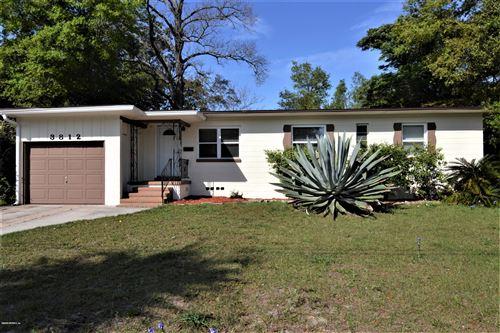 Photo of 3812 TYNDALE DR, JACKSONVILLE, FL 32210 (MLS # 1045787)