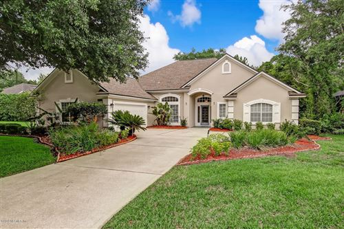 Photo of 7805 RITTENHOUSE LN, JACKSONVILLE, FL 32256 (MLS # 1000852)