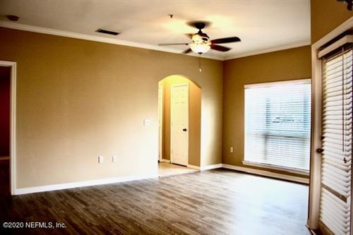 Photo of 7800 POINT MEADOWS DR, JACKSONVILLE, FL 32256 (MLS # 1032853)