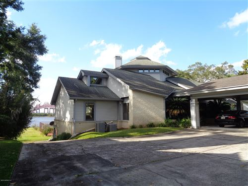 Photo of 516 CLIFTON BLUFF LN, JACKSONVILLE, FL 32211 (MLS # 1027940)