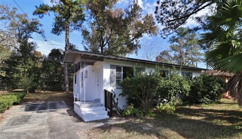 Photo of 6227 PETTIFORD DR E, JACKSONVILLE, FL 32209 (MLS # 1028959)