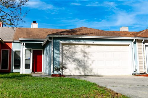 Photo of 12627 ENCHANTED HOLLOW DR, JACKSONVILLE, FL 32225 (MLS # 1033980)