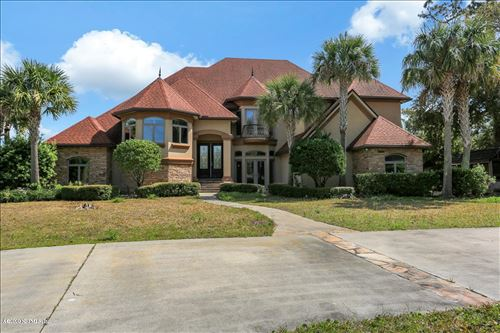 Photo of 96270 CAPTAINS POINTE RD, YULEE, FL 32097 (MLS # 1033982)