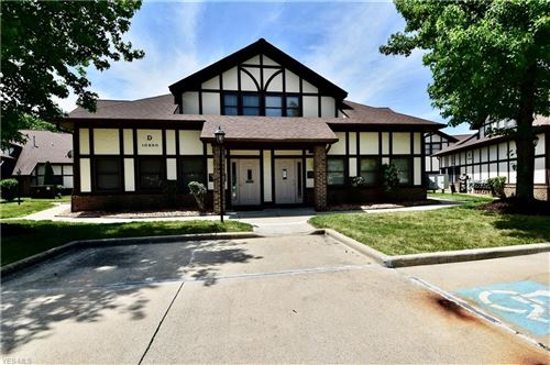 Photo of 10850 Pearl Road #D3, Strongsville, OH 44136 (MLS # 4201001)