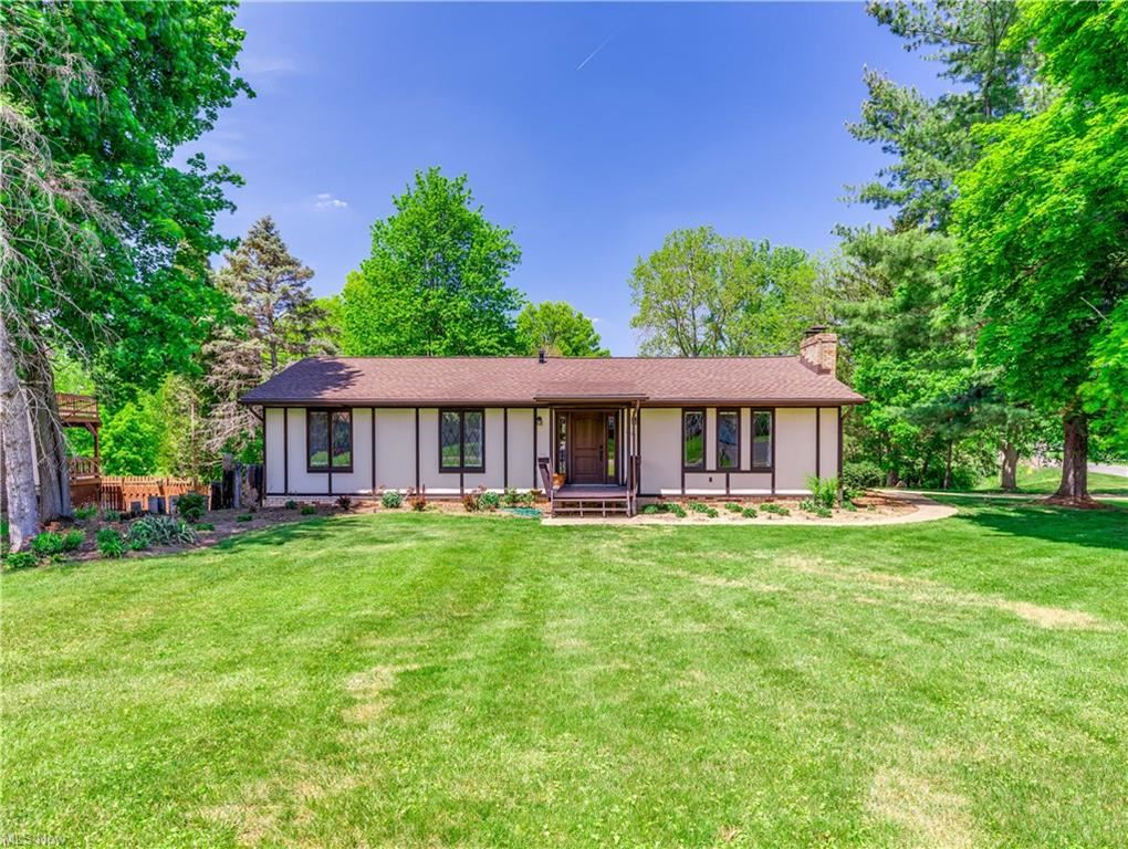 2350 Twin Lakes Drive, Uniontown, OH 44685 - #: 4280007