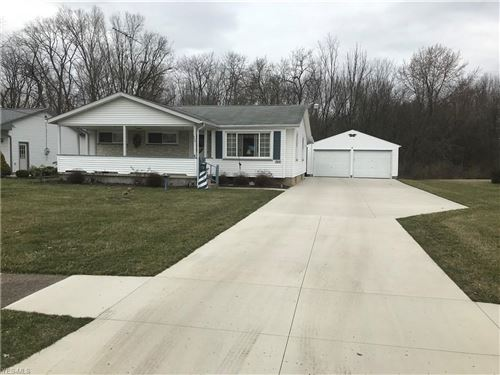Photo of 364 Beverly Hills Drive, Youngstown, OH 44505 (MLS # 4176026)