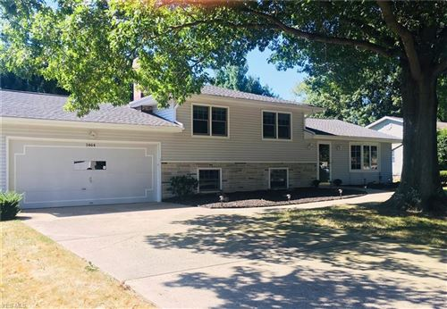 Photo of 1464 Turnberry Drive, Canfield, OH 44406 (MLS # 4132035)