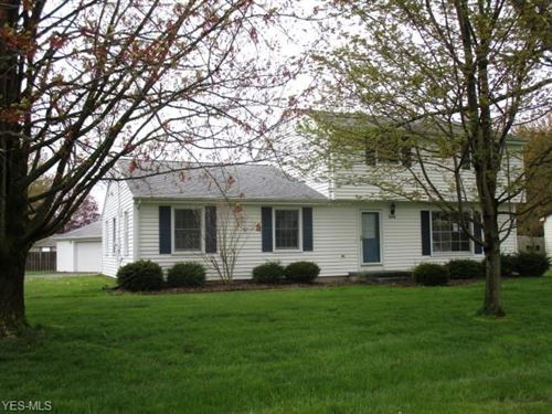 Photo of 9898 Deltona Drive, New Middletown, OH 44442 (MLS # 4188046)
