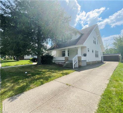 Photo of 13806 Thornhurst Avenue, Garfield Heights, OH 44105 (MLS # 4312048)