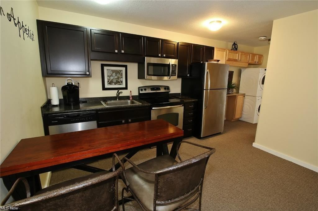 Photo of 1523 Maple Avenue #B, Zanesville, OH 43701 (MLS # 4303051)