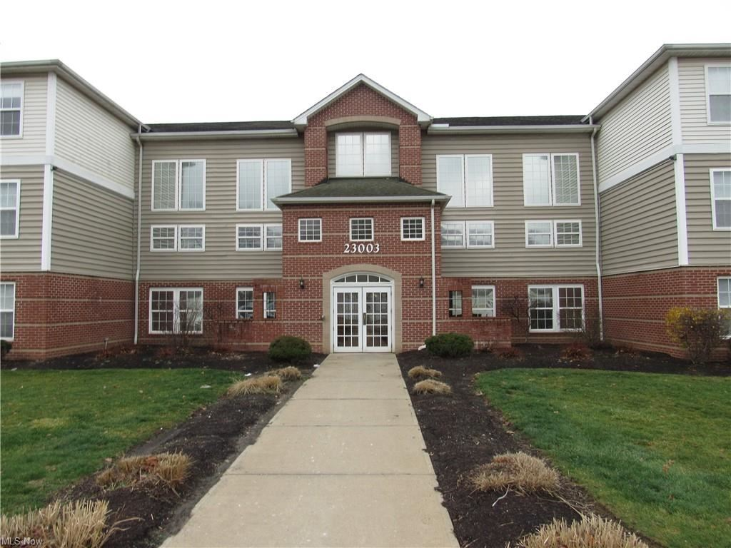 23003 Chandlers Lane #116, Olmsted Falls, OH 44138 - #: 4250058