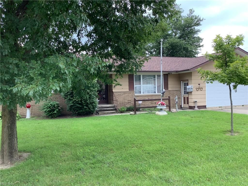 Photo of 20 S Sycamore Street, Jefferson, OH 44047 (MLS # 4302060)