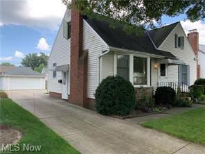 Photo of 16248 Brinbourne Avenue, Middleburg Heights, OH 44130 (MLS # 4322064)