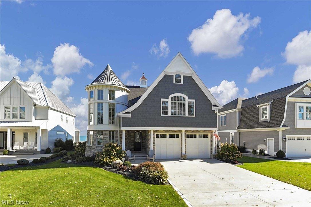 Photo of 385 Lakewood Drive, Lakeside-Marblehead, OH 43440 (MLS # 4327075)