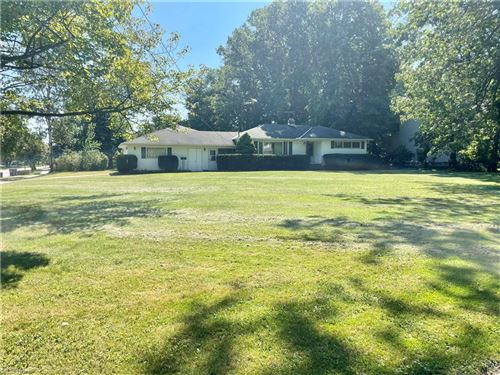 Photo of 4223 Canterbury Road, North Olmsted, OH 44070 (MLS # 4305077)