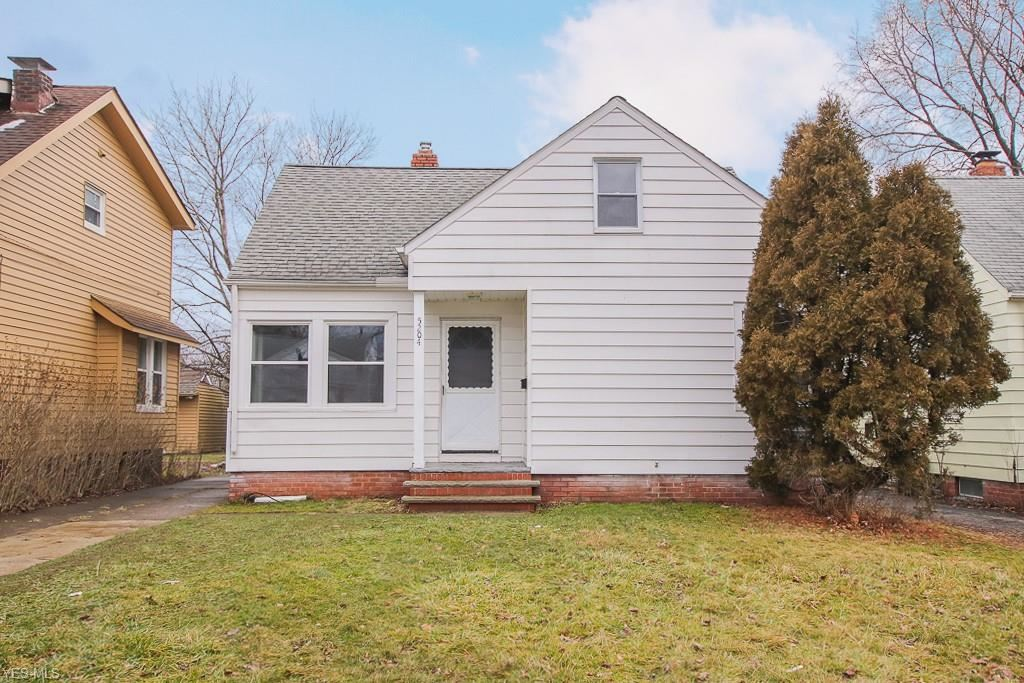 5204 Clement Avenue, Maple Heights, OH 44137 - #: 4225097