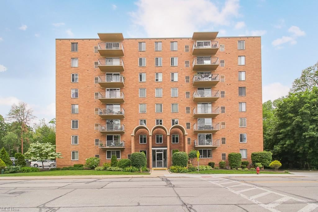50 S Rocky River Drive #406, Berea, OH 44017 - #: 4283130