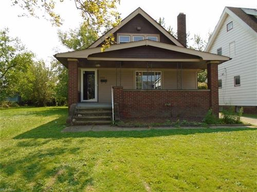 Photo of 13314 S Parkway Drive, Garfield Heights, OH 44105 (MLS # 4316156)