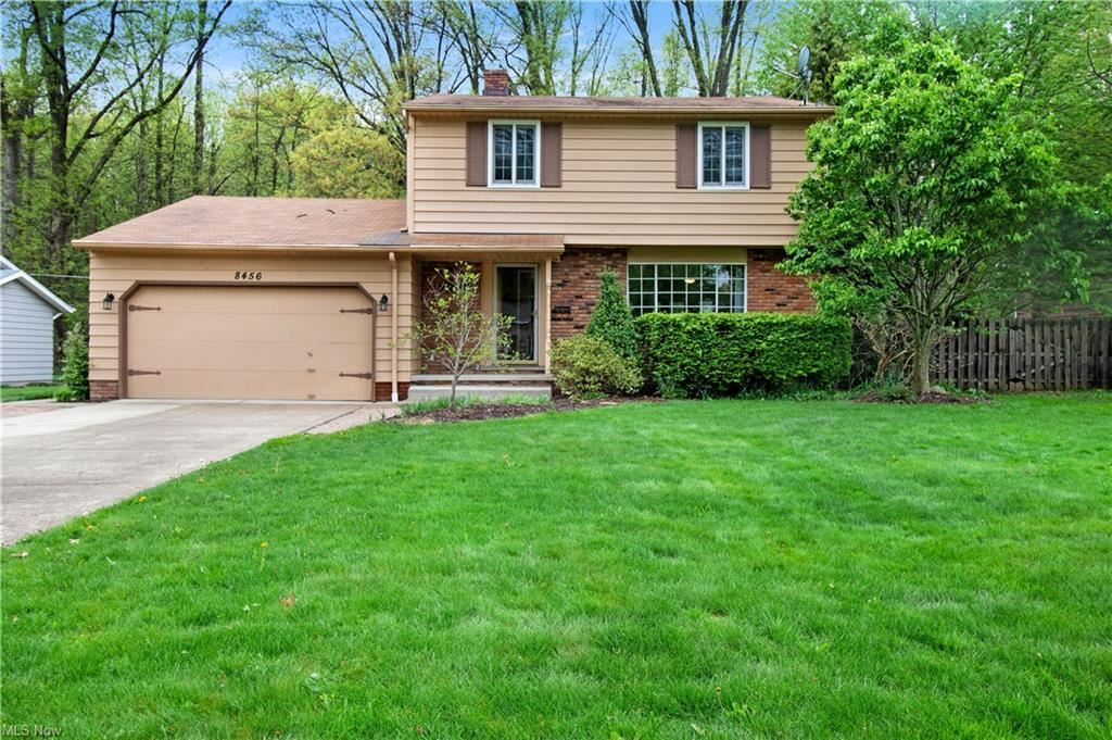 8456 Brentwood Drive, Olmsted Falls, OH 44138 - #: 4275162
