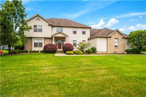 Photo of 1065 Fox Den Trail, Canfield, OH 44406 (MLS # 4108171)