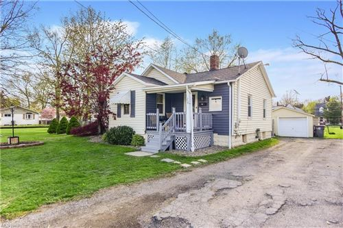 Photo of 120 S Glenellen Avenue, Youngstown, OH 44509 (MLS # 4272179)