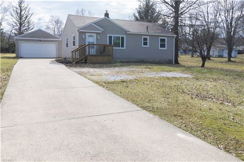 Photo of 2181 Clearview Avenue NW, Warren, OH 44483 (MLS # 4170189)