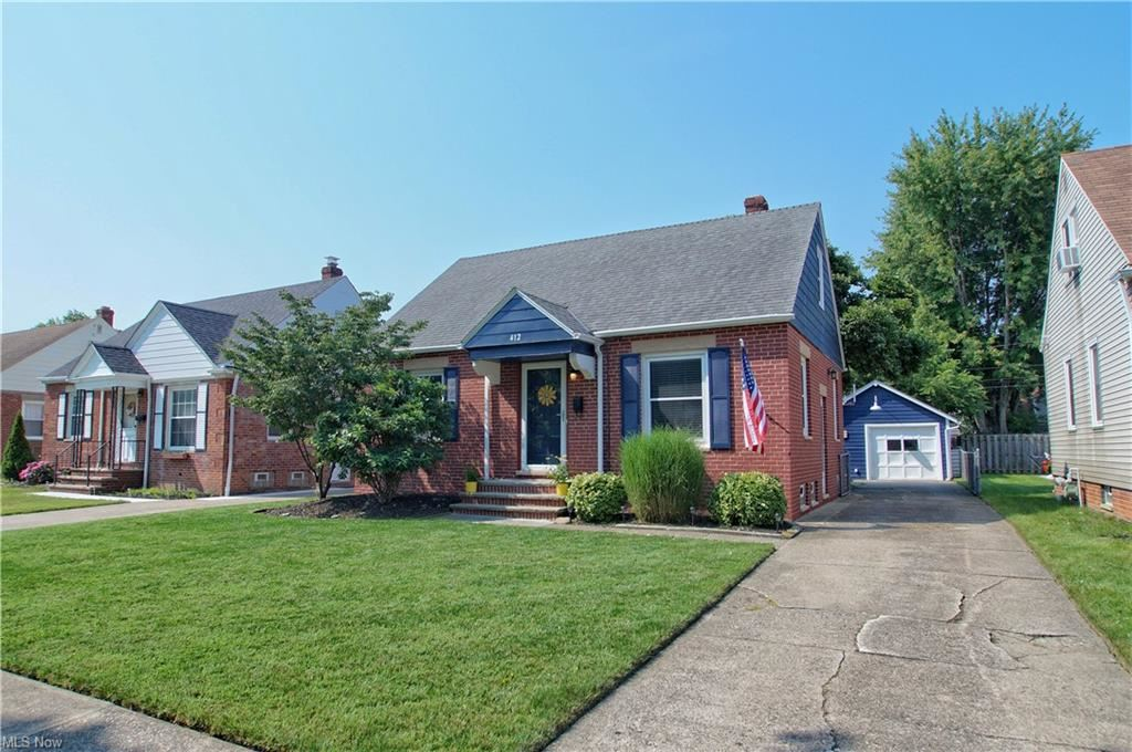 Photo of 412 E 327th Street, Willowick, OH 44095 (MLS # 4303189)