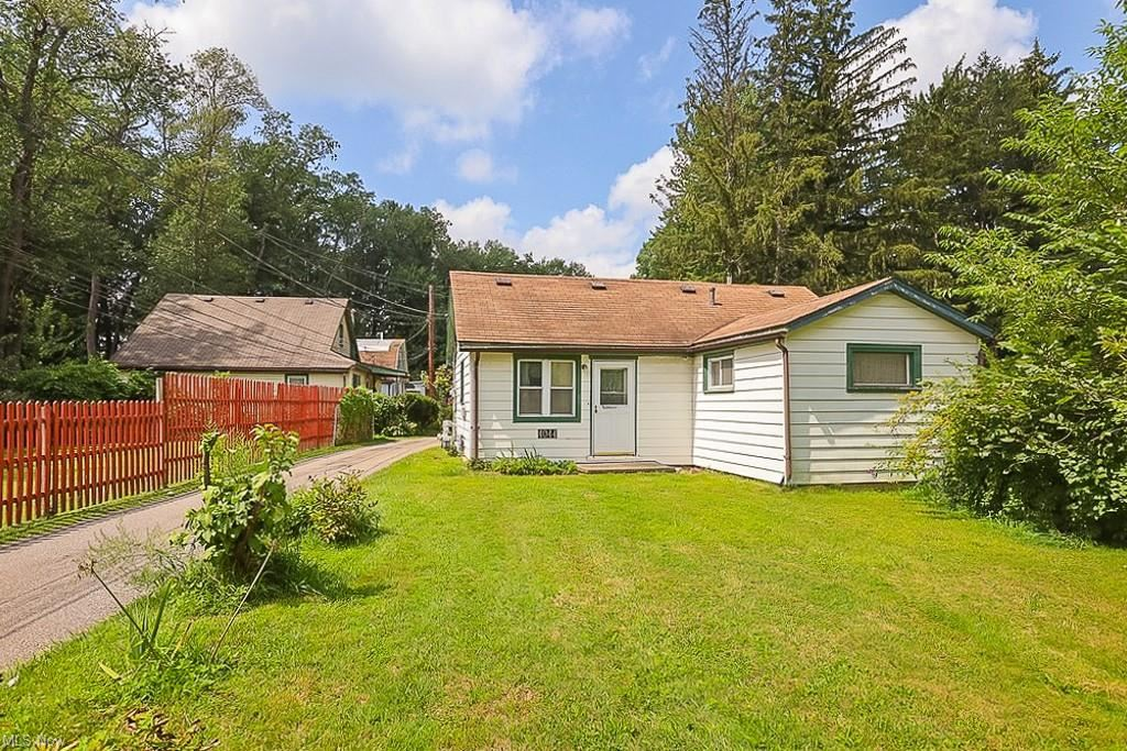 4044 Clague Road, North Olmsted, OH 44070 - #: 4312196