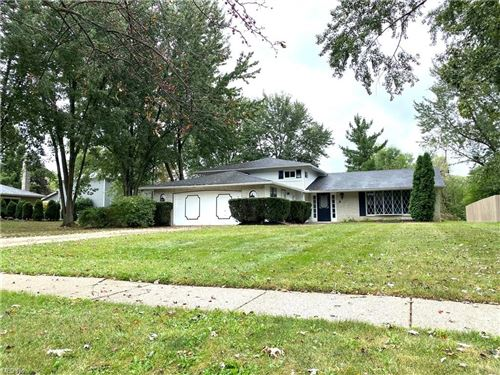 Photo of 17045 Hunting Meadows, Strongsville, OH 44136 (MLS # 4318209)