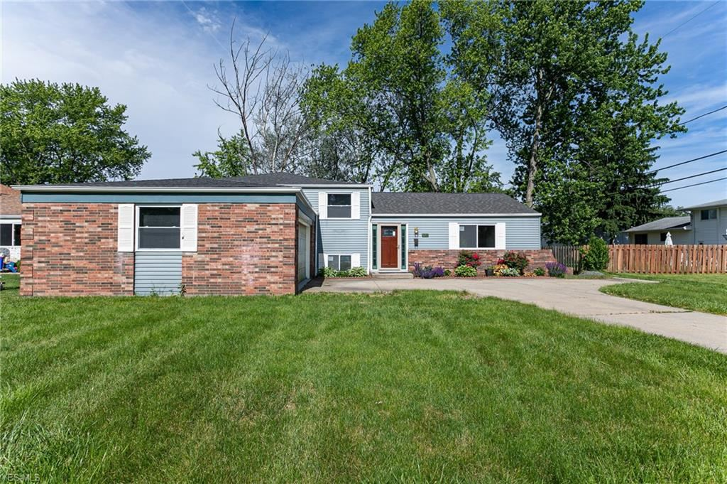 6528 Louann Drive, North Olmsted, OH 44070 - #: 4195215